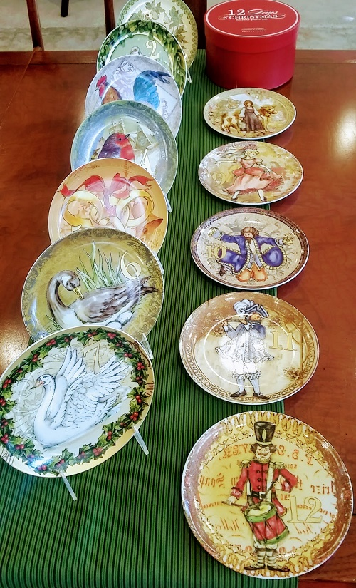 Set Of 12 Pottery Barn Twelve Days Of Christmas Dessert Plates
