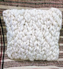 Chunky Crochet pillow by Homelosophy. Original List: $370.- Modele's Price: 125.-