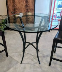 Charleston Forge 'Ventura' counter height bistro table. Never used. Three-quarter inch thick glass. Current list $1766.- Modele's Price: 795.-