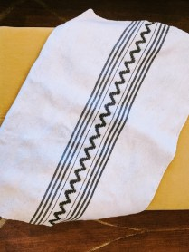 *ITEM NOW SOLD** Natural wool throw. 150.-