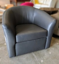 **ITEM NOW SOLD** McKinnon 'Sasha' swivel chair. Showroom sample, built in 2015. Kravet leather, solid hardwood frame, made in Seattle. Original List: $4289. Modele's Price: 1395.-