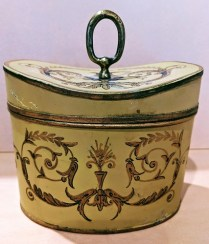 """Vintage Mottahedeh French tole (painted on metal) box with lid. Purchased in NYC. 6""""w x 3.75""""d x 6.5""""h 95.-"""