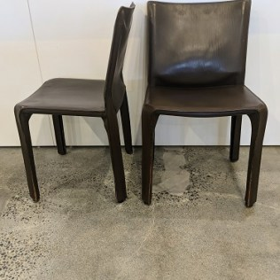 Set/4 Cassina CAB side dining chairs in dark brown saddle leather over steel frame, 10 years old. Designed by Mario Bellini. Current list: over $6,000. set/4. Modele's price: 1975. set/4