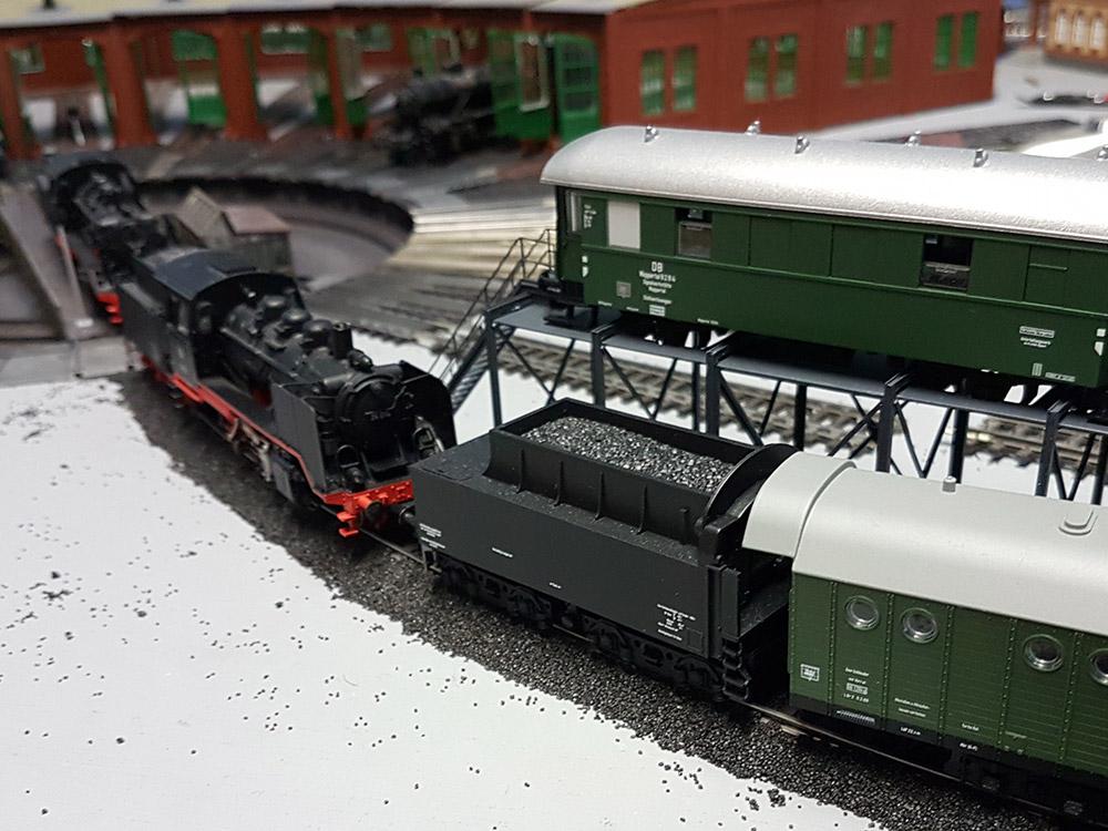 BR 24 im Bahnbetriebswerk