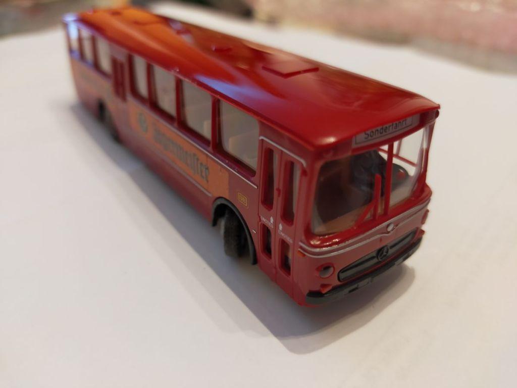 """Car-System Bus """"Jägermeister"""" von Faller"""