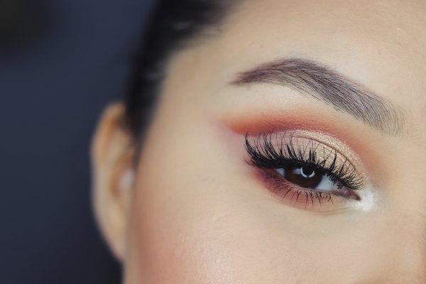 fake eyelashes, eyelashes