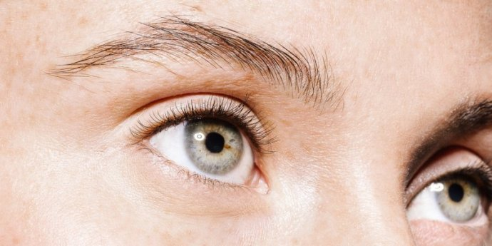 How To Get Rid Of Under-Eye Wrinkles & Crow's Feet: Derms Explain