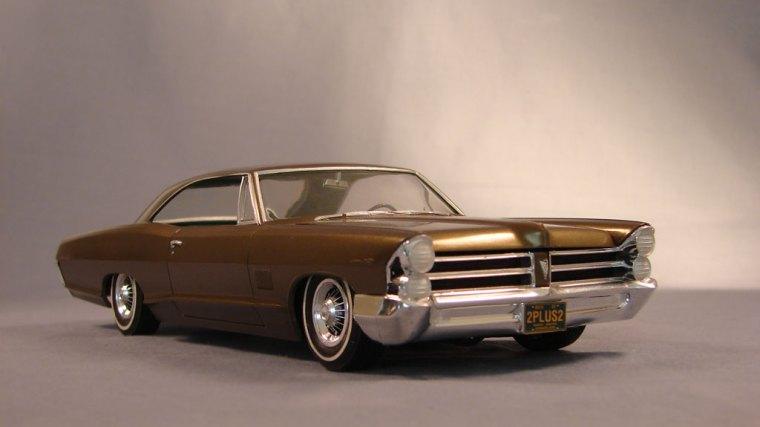 Pontiac 2 + 2 1965