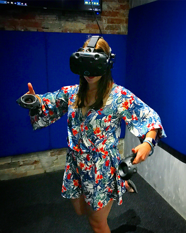 Playing virtual reality video games in Toronto