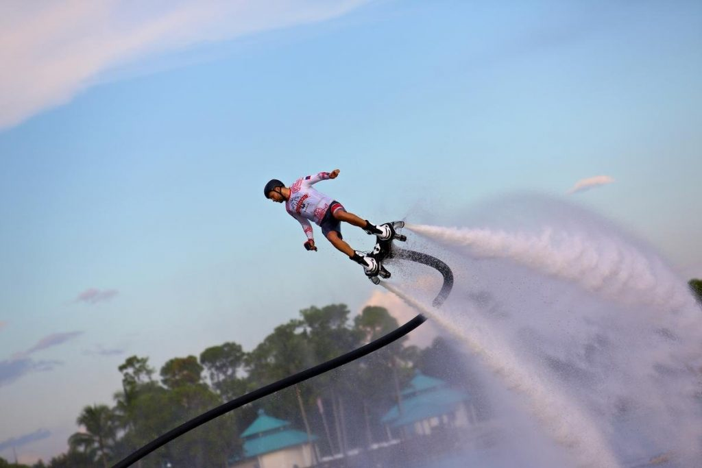 This image has an empty alt attribute; its file name is Zapata-Flyboard®-Pro-Series-Kit-2-1-1024x683.jpg