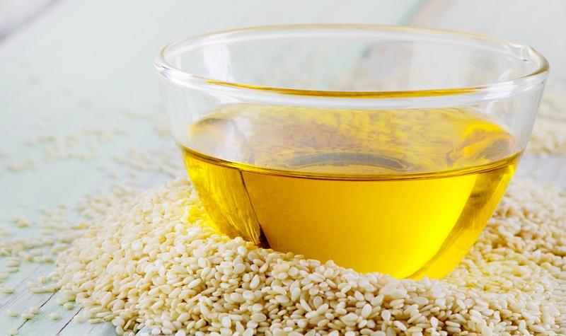 Чем полезно кунжутное масло для красоты