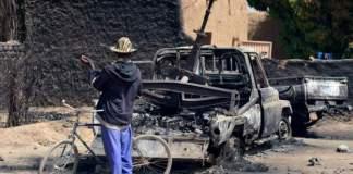 Six patients die in besieged Mali villageSix patients die in besieged Mali village