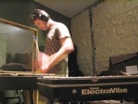 Tim Collins : Modern Drummer