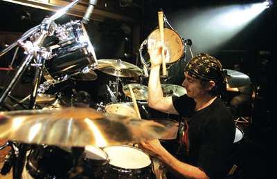 Virgil Donati : Modern Drummer