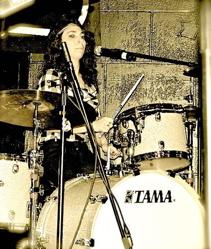 Rebekah Petrel of Petrel : Modern Drummer