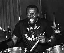 Elvin Jones : Modern Drummer