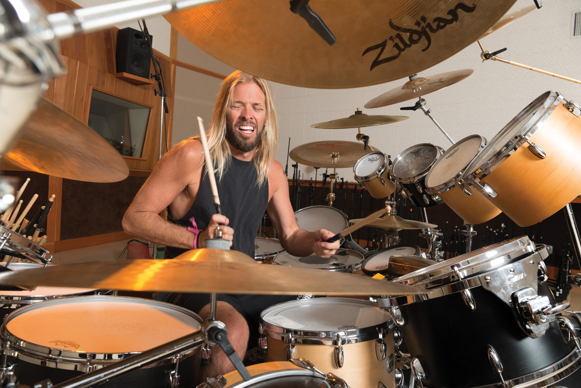 The Foo Fighters' Taylor Hawkins - Modern Drummer Magazine
