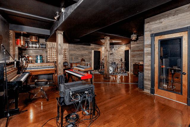 Box Studio1