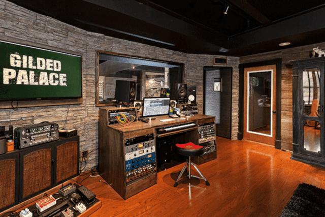 Box Studio 3