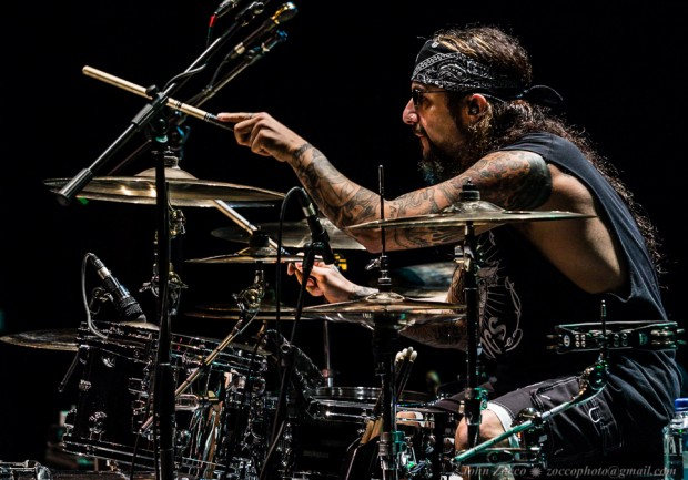 Mike Portnoy and the Winery Dogs Host Dog Camp