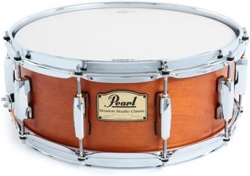 Pearl Drums snare drum