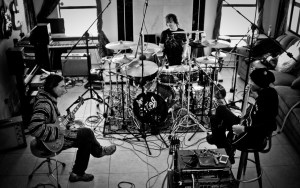 Korn Drummer Ray Luzier on KXM, His Side Project With Dug Pinnick and George Lynch