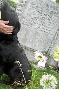 Drummer Scott Reeder of Fu Manchu at Bonham's grave