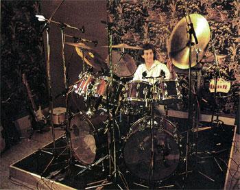 Drummer Simon Phillips
