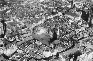 Frankfurt am Main, Altstadtkern, Luftbild, 1936 (Bild: © Institut für Stadtgeschichte)