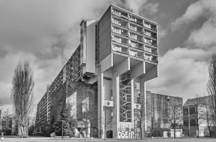"Berlin, Pallasseum (J. Sawade, 1977) (Copyright: Denis Barthel, Projekt ""Brutalist Berlin"")"