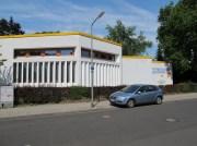 UMNUTZUNG: Frankfurt am Main-Dornbusch, ehemaliges Evangelisches Gemeindehaus in der Haeberlinstraße (1969, Umnutzung 1998), heute Evangelisches Jugendwerk
