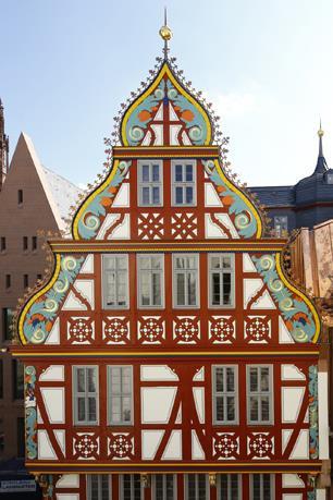 Jourdan und Müller, Fassade der Goldenen Wage in Frankfurt (Bild: C. Uwe Dettmar, 2018)