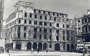 """Köln, Ruine des """"Hotel Monopol"""", 1945 (Quelle und Copyright: Archiv Stadtkonservator Köln)"""