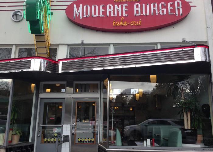 02.moderneburger.6047390005.exterior-700x500