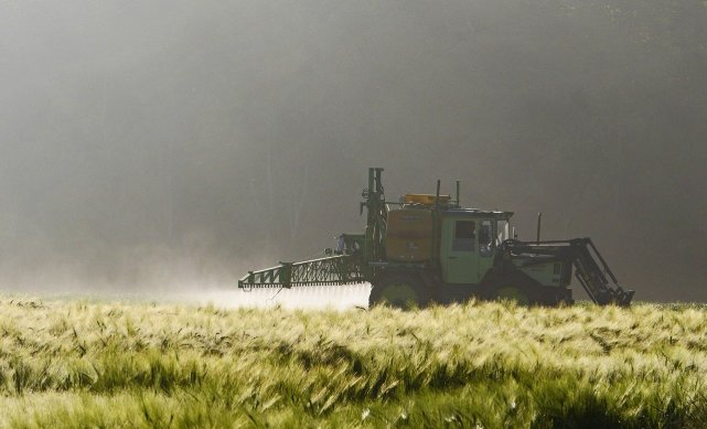 Spraying agriculture
