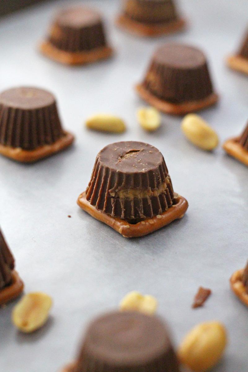Reeses caramel pretzel bites
