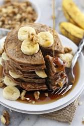 Fluffy and flourless banana bread pancakes