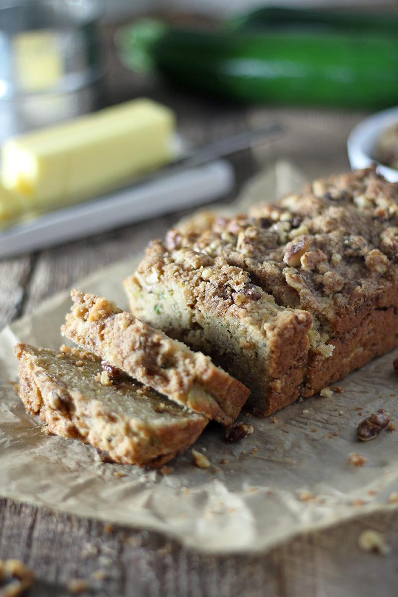 Zucchini coffee cake bread with cinnamon streusel