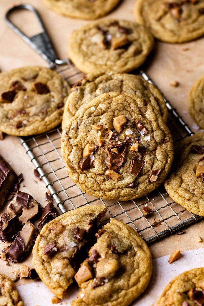 Brown Butter Heath Bar Cookies are incredibly delicious and addicting! They are so chewy, buttery and soft with chunks of chocolatey, English toffee Heath bar in every bite! Easy to make brown butter enhances the flavor by bringing a nutty, caramel like flavor to the dough. These cookies are a must make!!