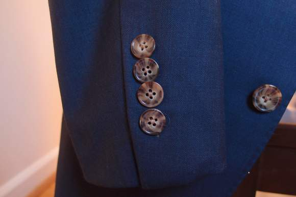 Proper-Suit-buttons-closeup