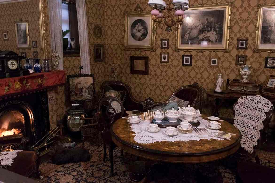 Period room at York Castle Museum