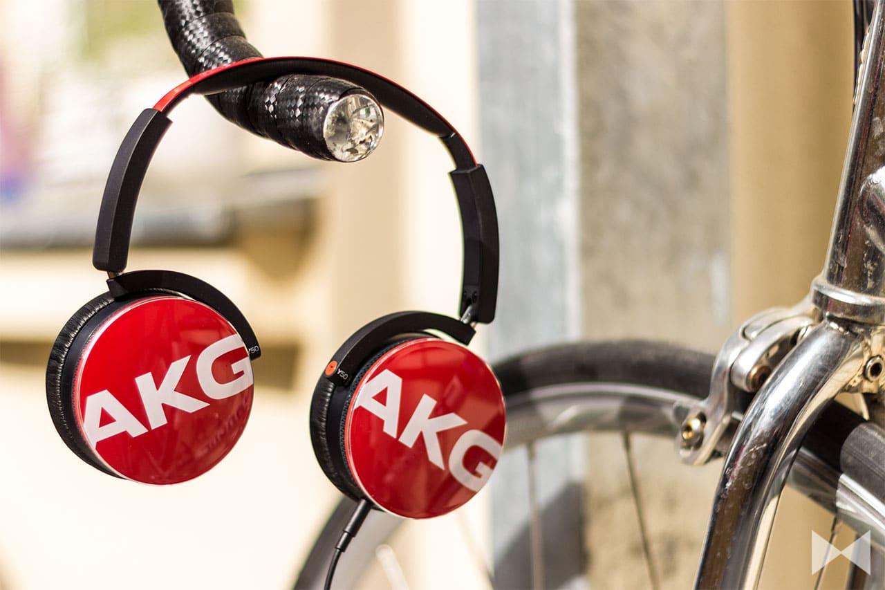 AKG-Y50 On-Ear-Kopfhörer