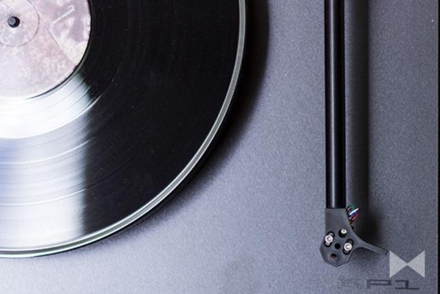 Plattenspieler einstellen am Tonabnehmer
