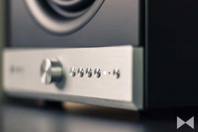 Raumfeld-Stereo-M WLAN-Boxen im Bauhaus-Stil
