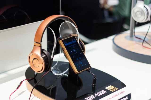Pioneer-XDP-100R HD-Audioplayer in Smartphone-Größe und Android-Betriebssystem