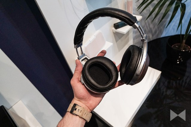 Denon-AH-D7200 Headphones
