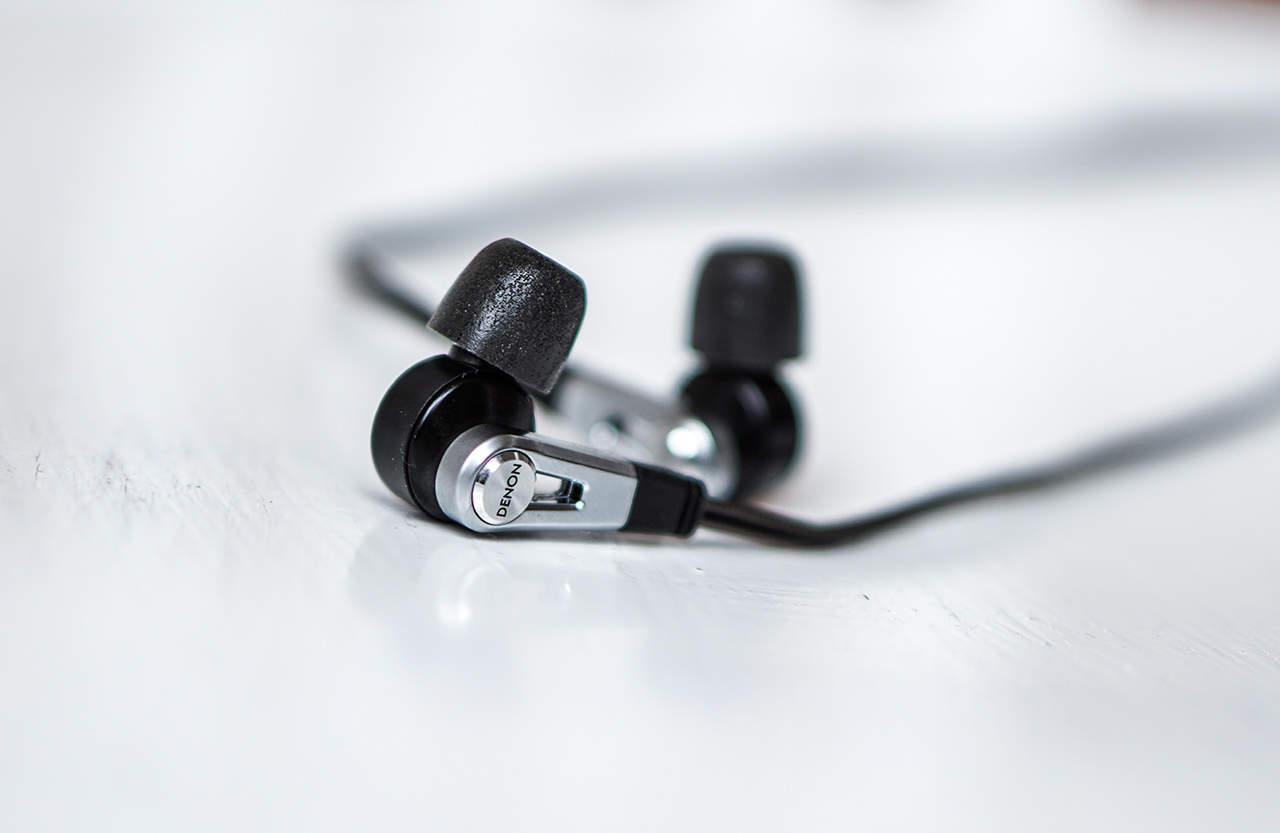 Denon AH-C821 Dual-Driver-In-Ear-Kopfhörer