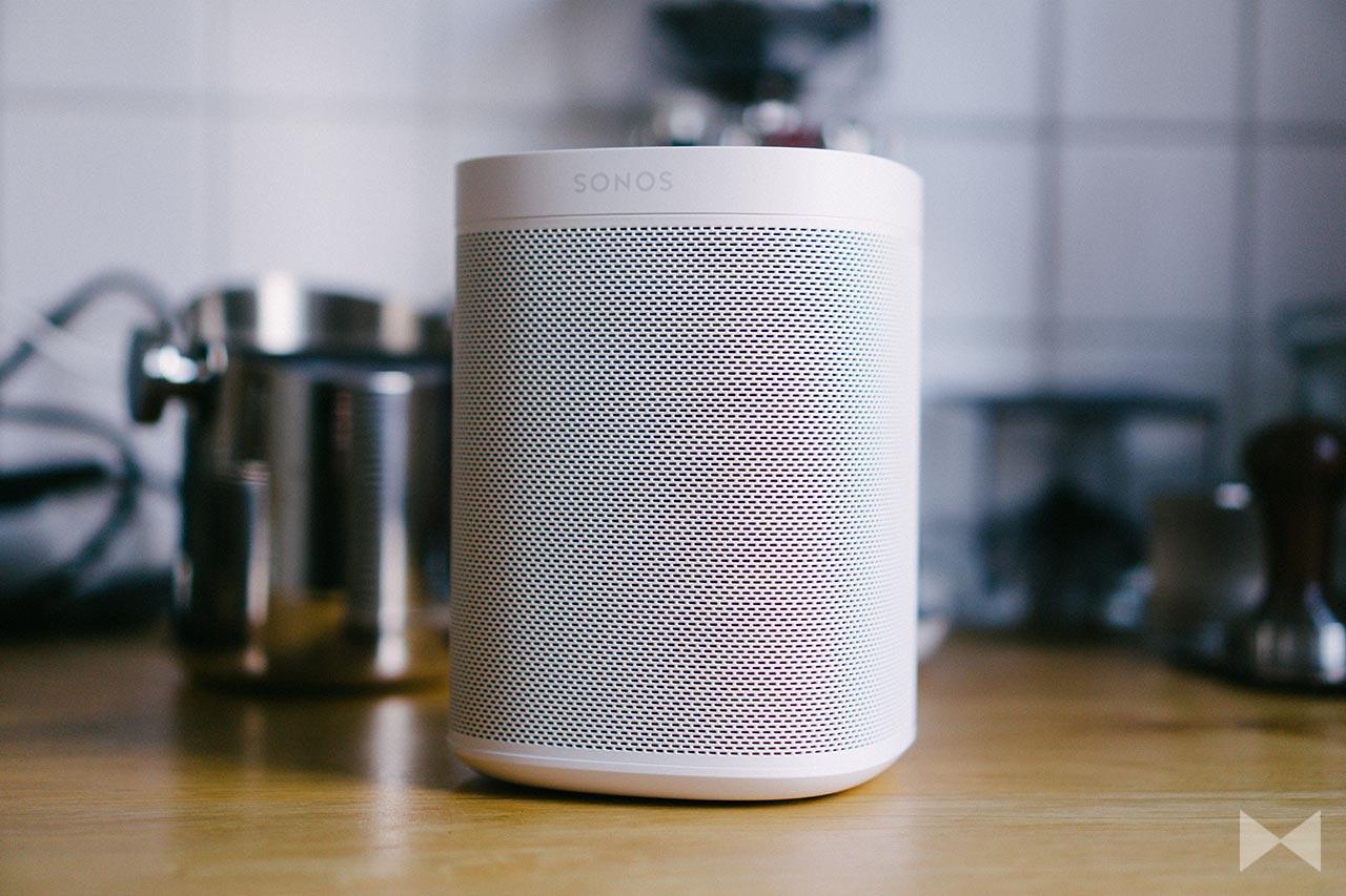Sonos One Test Wireless-Speaker mit Amazon Alexa Sprachsteuerung