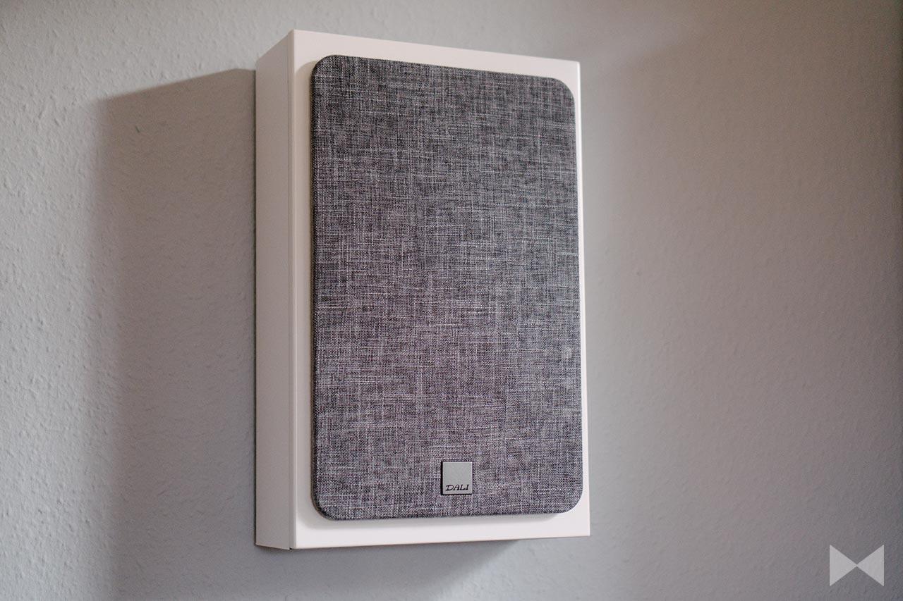 Dali Oberon On-Wall Test