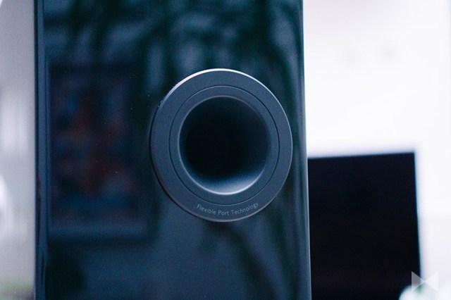 KEF R3 Bass-Reflex-Öffnung